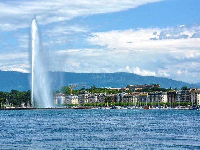 Lac Léman et le jet d'eau de Genève